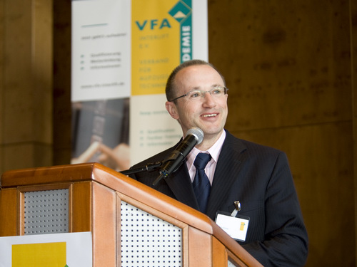 Президент Союза лифтовой техники Германии VFA-Interlift Ахим Хюттер согласился ответить на вопросы Интернет-журнала «Лифтовики»